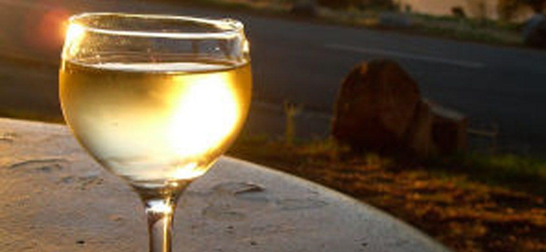 Vino bianco un alleato prezioso per cuore e reni