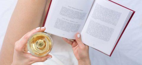 Libri-sotto-l'ombrellone,-al-sapore-di-vino